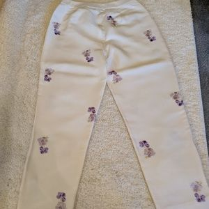 Silk  white pant w embroidered pansy's in purples